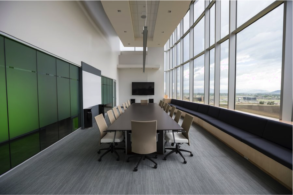 3 Essential Features for Your Conference Room Design